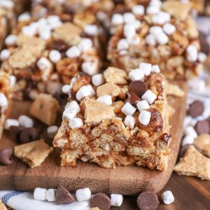 Peanut Butter Smores Cereal Bars Recipe from A Kitchen Addiction